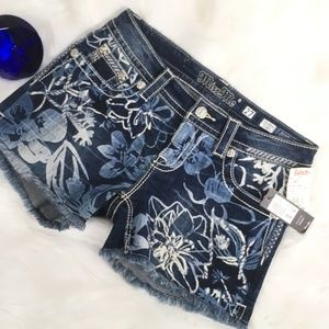 Miss Me Signature Embellished floral Shorts27 S545